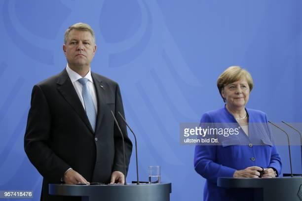Präsident von Rumänien Klaus Johannis Bundeskanzlerin Angela Merkel Deutschland Berlin Bundeskanzleramt Gemeinsame Presseunterrichtung nach dem...