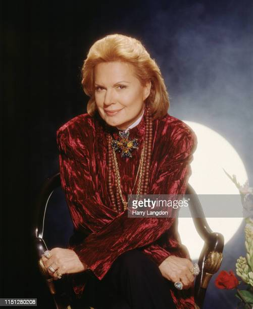 Psychic Walter Mercado poses for a portrait in 2001 in Los Angeles California