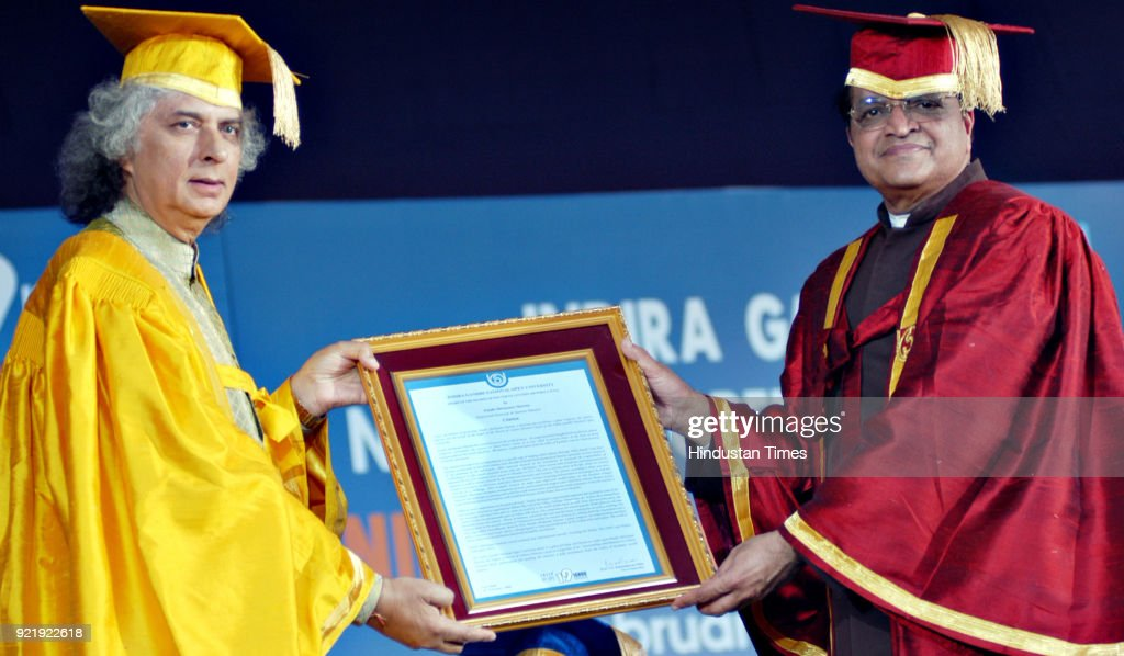 Pt. Shiv Kumar Sharma recieving the honour from Prof. V.N. Rajshekharan Pillai at the 19th Convocation of Indira Gandhi Open University (IGNOU) at IGNOU Campus in New Delhi.