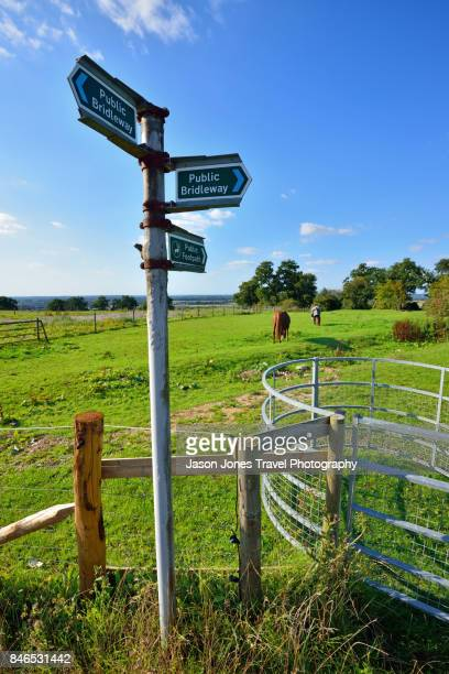 public bridleway signs - hertford hertfordshire stockfoto's en -beelden