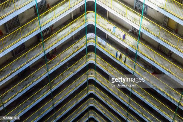 public housing - geometriestunde stock-fotos und bilder