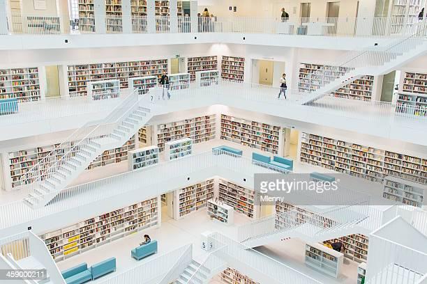 biblioteca pública - stuttgart fotografías e imágenes de stock