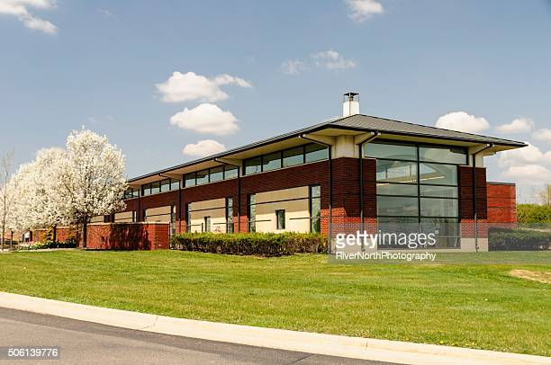 public library romeo, michigan - romeo stock pictures, royalty-free photos & images