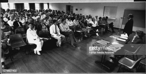 A public meeting bt residents against the harbour tunnel meeting was held in the Nth Sydney council chambers April 01 1989