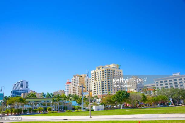 public park at n. clematis street, west palm beach - ウェストパームビーチ ストックフォトと画像