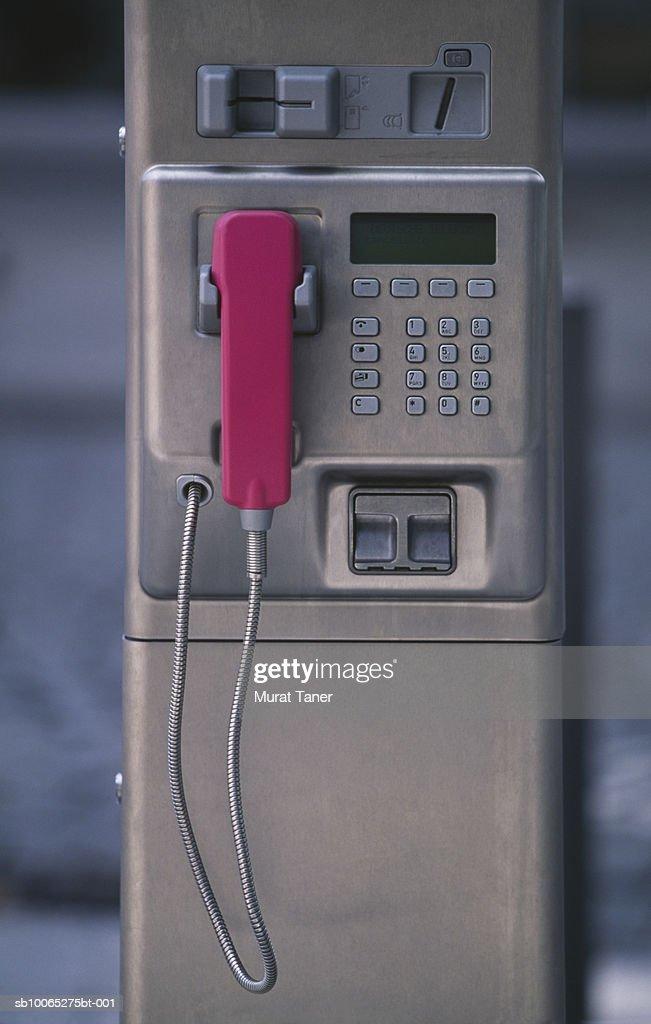 Public pay telephone in Potsdamer Platz : Foto stock
