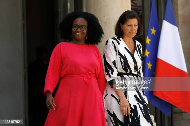 Public relations presidential advisor Sibeth Ndiaye and Agnès Buzyn SANTÉ is seen in the courtyard of the Elysee presidential Palace after the weekly...