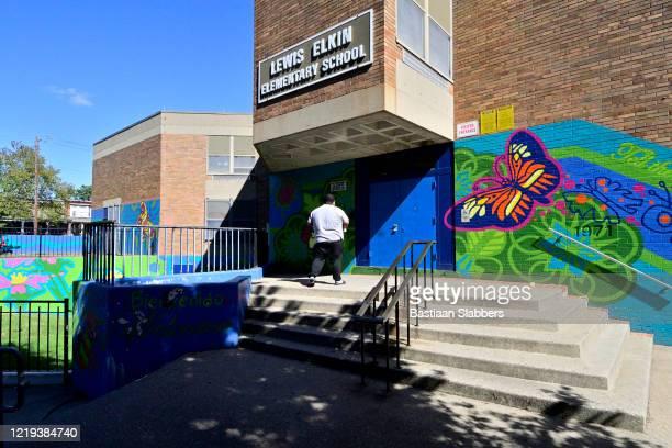 public school in kensington neighborhood of philadelphia, pa - basslabbers, bastiaan slabbers stock pictures, royalty-free photos & images