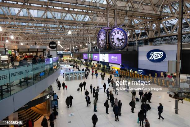 public transist - england - waterloo railway station london stock pictures, royalty-free photos & images
