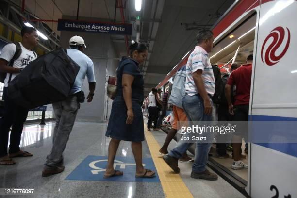 公共交通システム - シンジケーション ストックフォトと画像