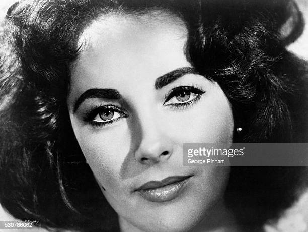 A publicity photograph of Elizabeth Taylor taken for her 1959 film Suddenly Last Summer