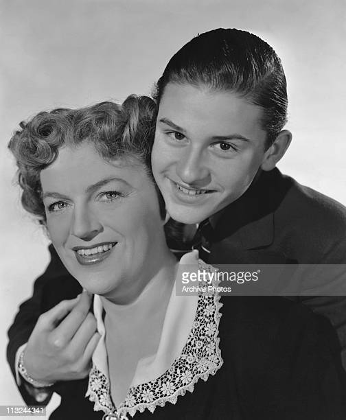Publicity still of actor Roddy McDowall and actress Gracie Fields for the 1945 film 'Molly and Me'