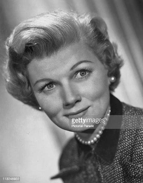 Publicity still of American actress Barbara Billingsley for the television show 'Leave It To Beaver' in 1957