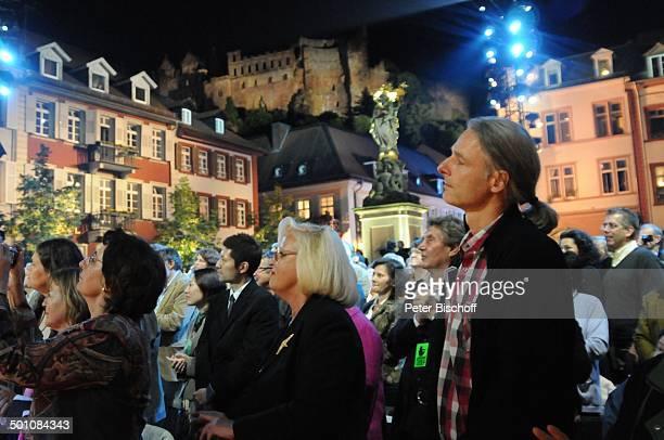 """Publikum, dahinter, mi. Die Heidelberger Burg, ZDF-Musikshow """"Ich habe mein Herz an Heidelberg verloren"""" beim Heidelberger """"Herbstfest"""", Auftritt von..."""
