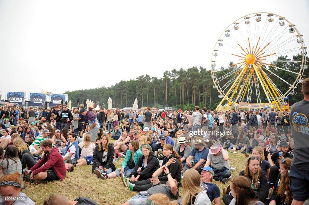 german-outdoor-swinger-festival-jaya-parda-boobs-pussy