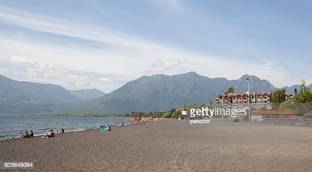 pucon beach - pucon fotografías e imágenes de stock