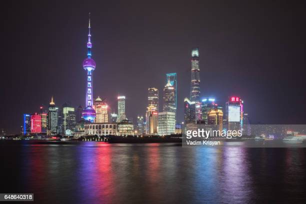 pudong and its skyscrapers seen from the bund, shanghai - vadim krisyan stock pictures, royalty-free photos & images