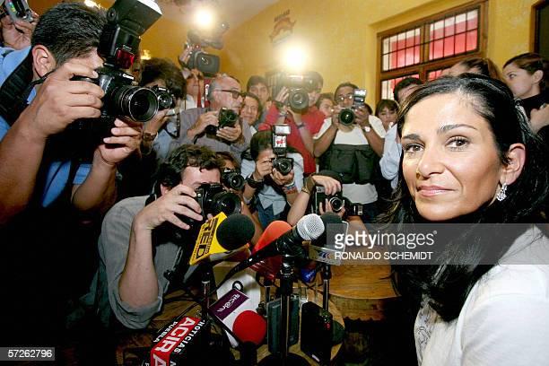 La periodista mexicana Lidia Cacho durante la presentacion de la segunda edicion de su libro Los Demonios del Eden en la ciudad de Puebla Mexico el...