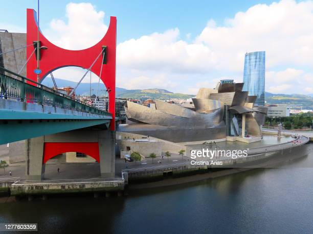 Puente de la Salve and Guggenheim Museum in the background, Bilbao, Vizcaya, Basque Country, Spain.