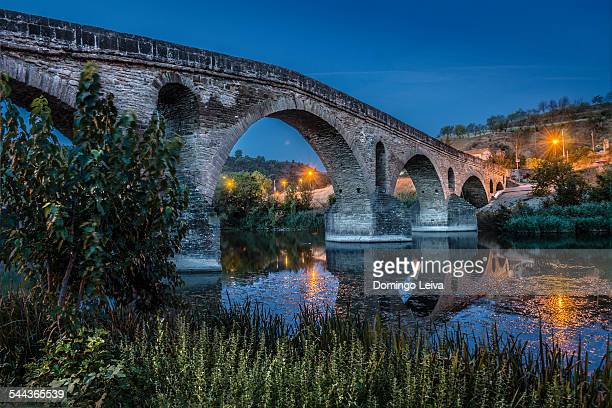 puente la reina, navarre, spain - camino de santiago stock pictures, royalty-free photos & images