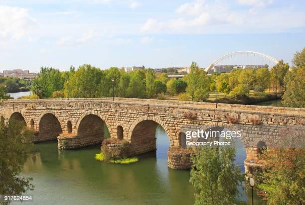 Puente Romano Roman bridge crossing Rio Guadiana River Merida Extremadura Spain