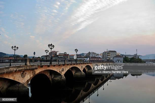 puente sobre el rio leréz - provincia di pontevedra foto e immagini stock