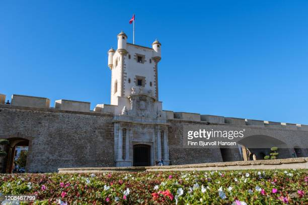 puerta de tierra, the city wall of cadiz - finn bjurvoll stock pictures, royalty-free photos & images
