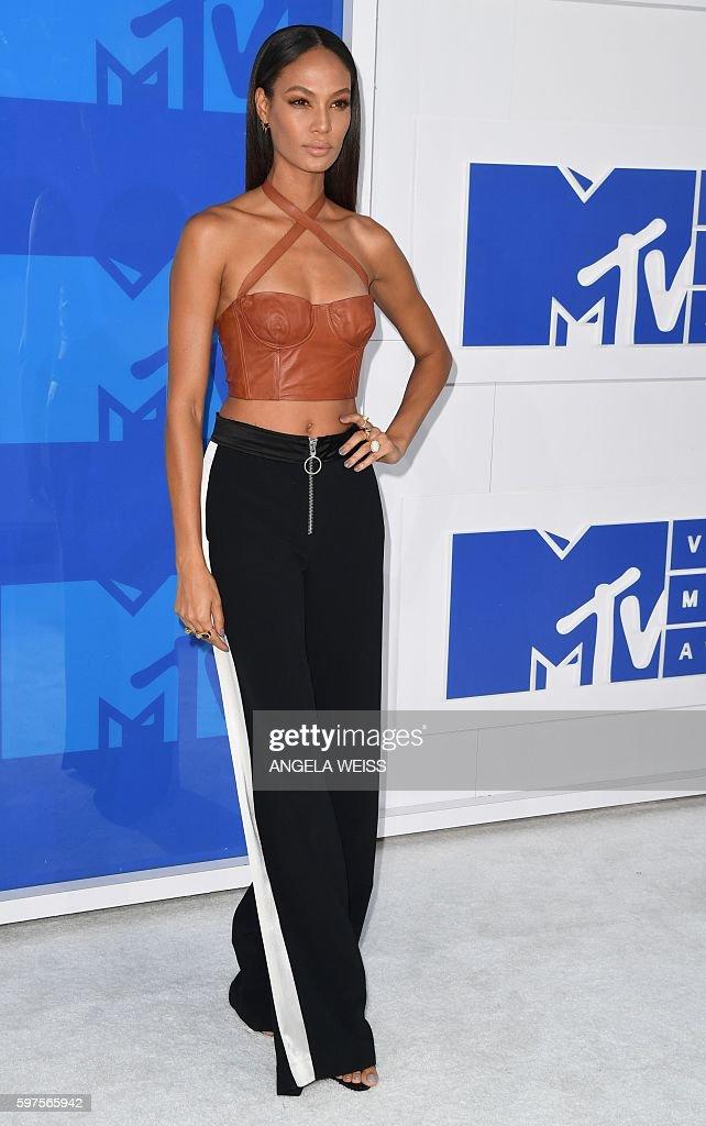 US-ENTERTAINMENT-MTV-VMA-ARRIVALS : News Photo