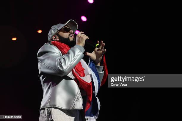 Puerto Rican singer Yandel performs on stage during the Uforia Latino Mix Live Dallas at Dos Equis Pavilion on August 8 2019 in Dallas Texas