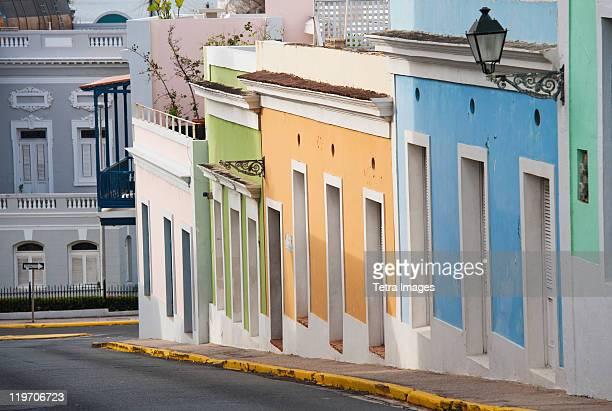 puerto rico, old san juan, old town street scene - viejo san juan fotografías e imágenes de stock