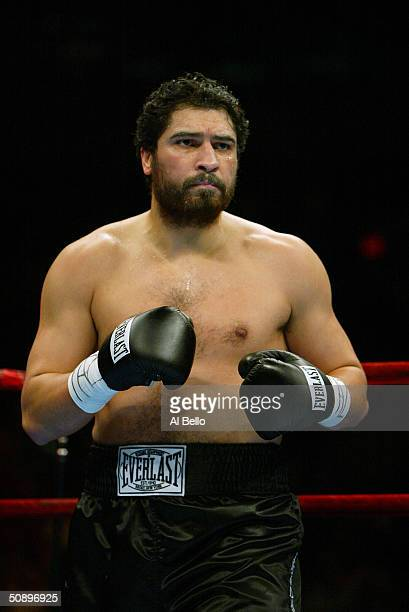 Puerto Rico's John Ruiz faces prepares to battle compatriot Fres Oquendo during their World Boxing Association Heavyweight title fight at Madison...