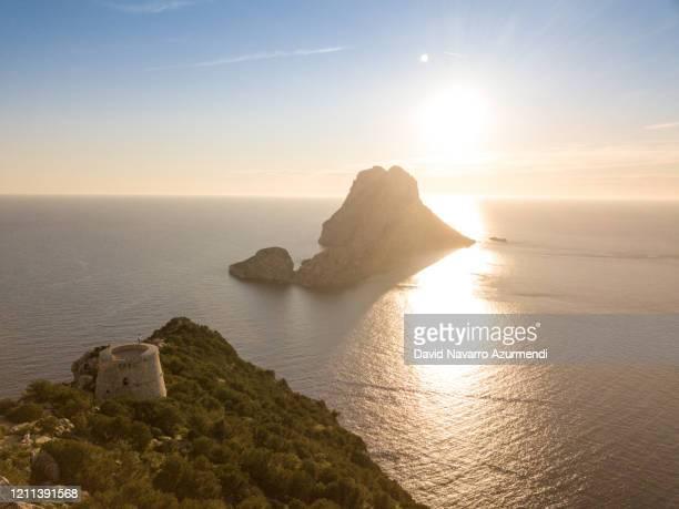 puesta de sol en ibiza - seascape stock-fotos und bilder