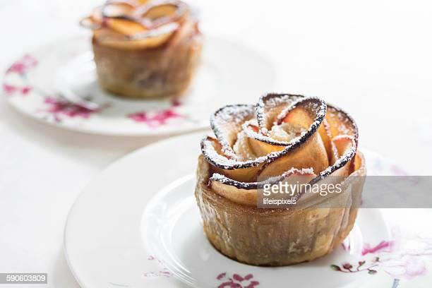 puff pastry with apple shaped roses - lifeispixels stockfoto's en -beelden