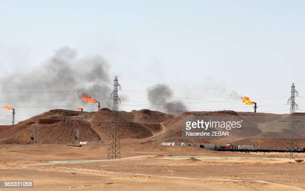 Puits de pétrole, 9 avril 2015, à Hassi Messaoud, Algerie.