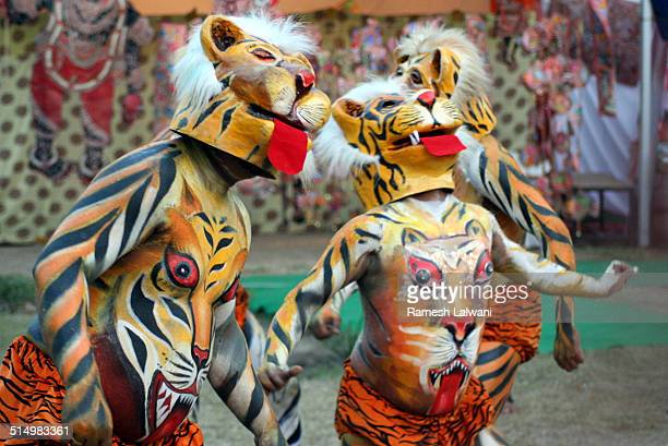 PuliKali Folk Dance