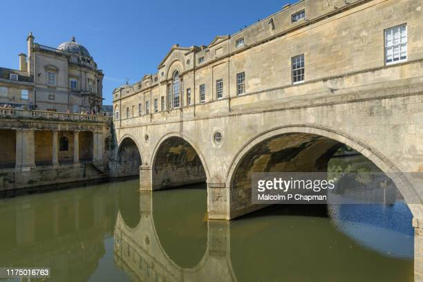 pulteney bridge, bath, somerset, uk - bath england stock pictures, royalty-free photos & images