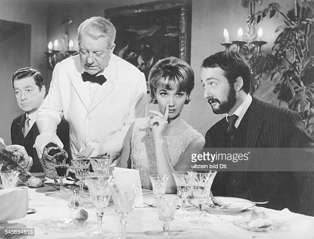 Pulver Liselotte *Schauspielerin Schweiz mit Jean Gabin und Peter Vogel in dem Film 'Monsieur' Regie JeanPaul Le Chanois 1964