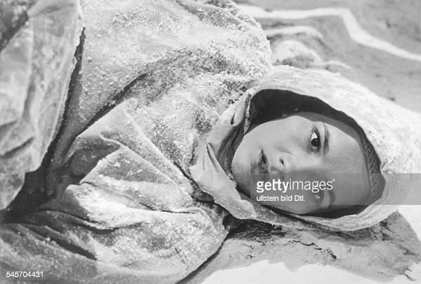 Pulver Liselotte Actress Switzerland * Scene from the movie 'Foehn' Directed by Rolf Hansen West Germany 1950 Vintage property of ullstein bild