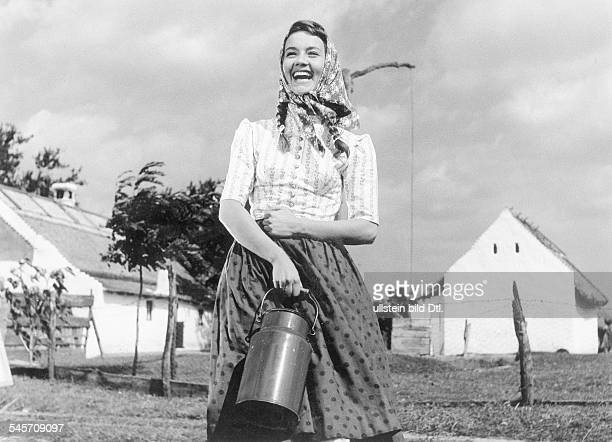 Pulver Liselotte Actress Switzerland * Scene from the movie 'Ich denke oft an Piroschka' Directed by Kurt Hoffmann West Germany 1955 Produced by...