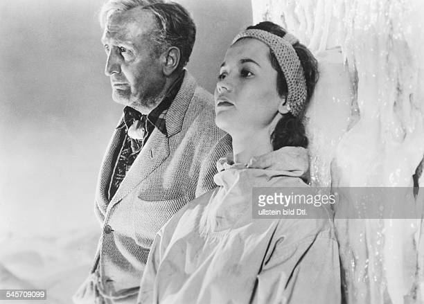 Pulver Liselotte Actress Switzerland * Scene from the movie 'Foehn' with Hans Albers Directed by Rolf Hansen West Germany 1950 Vintage property of...