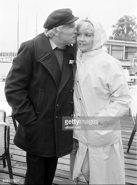 Pulver Liselotte Actress Switzerland and her husband Helmut Schmid in Hamburg