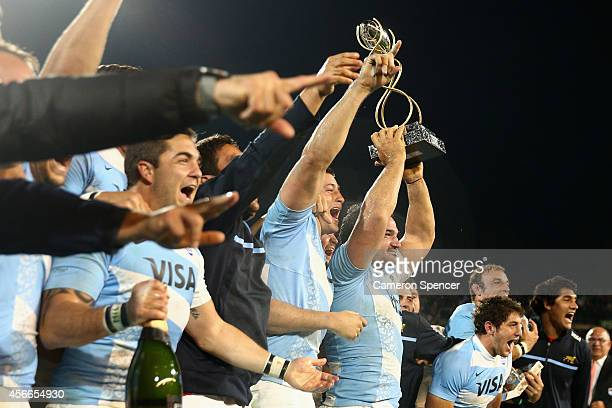 Pumas captain Agustin Creevy and team mates celebrate after winning the Championship match between Argentina and the Australian Wallabies at Estadio...