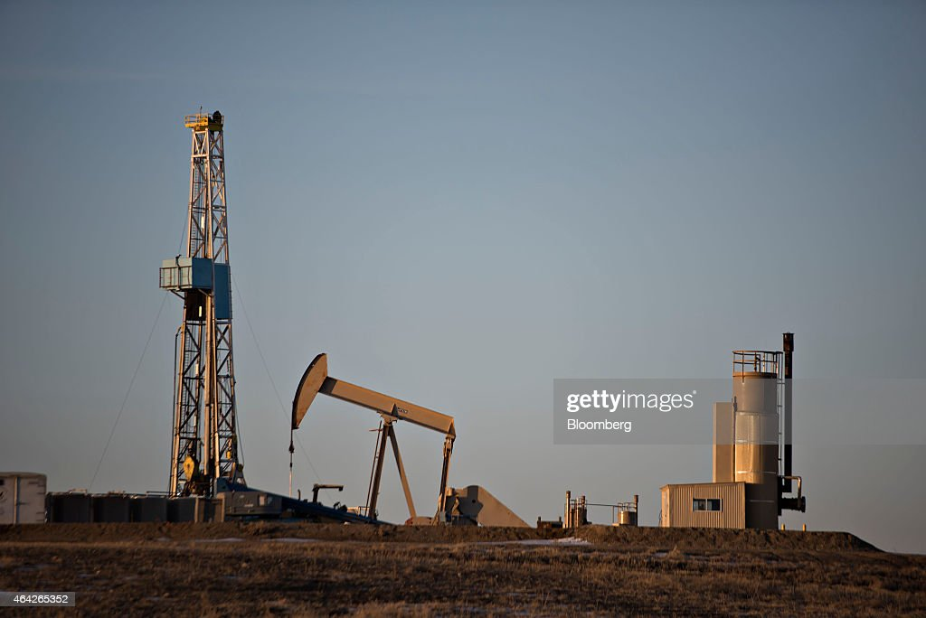 No Bust Seen As Dakota Oil Firms Keep Staff Amid Price Drop : News Photo
