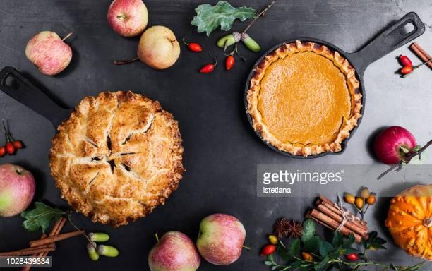Pumpkin pie and apple pie, Thanksgiving Day