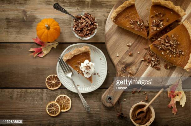 pumpkin pie background - thanksgiving background stock photos and pictures
