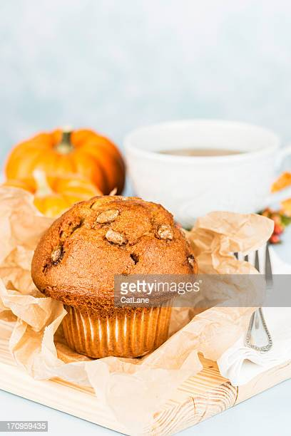 pumpkin spice muffin and herbal tea - muffin stock pictures, royalty-free photos & images