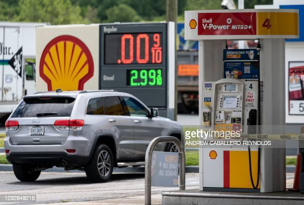 Pumps are closed at a Shell gas station in Woodbridge, Virginia, on May 12, 2021. - Fears the shutdown of the Colonial Pipeline because of a...