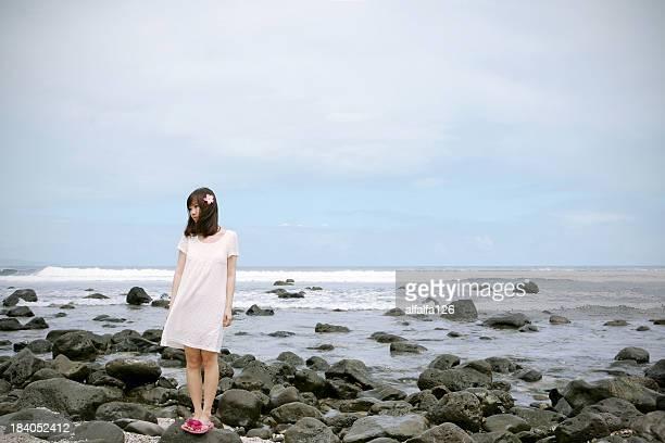 punalau beach, maui, hi - 白のドレス ストックフォトと画像
