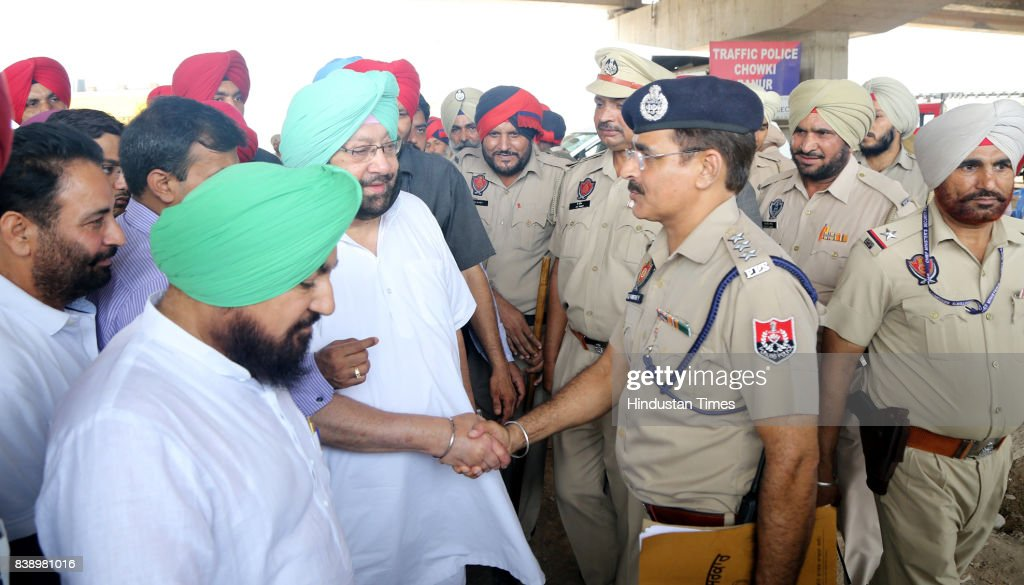 Punjab CM Capt Amarinder Singh meet to Punjab Police javan at Banur regarding the security situation in view of verdict in Rape case against Baba Ram.