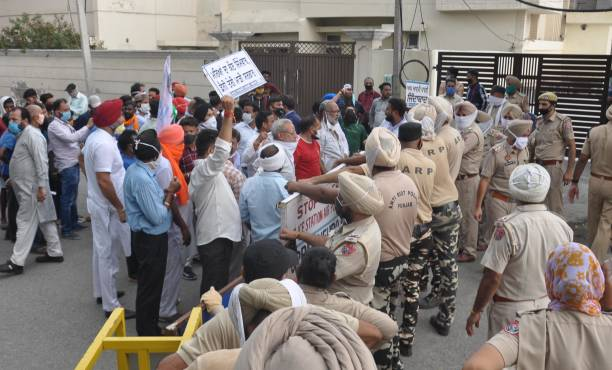 IND: Aam Aadmi Party Workers Protest Against Punjab Government Over The Issue Of Illicit Liquor In Punjab